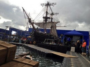 "Shooting ""In the Heart of the Sea"" in a tank at Leavesden Film Studios. Photo: Ron Howard via Twitter (@RealRonHoward)"