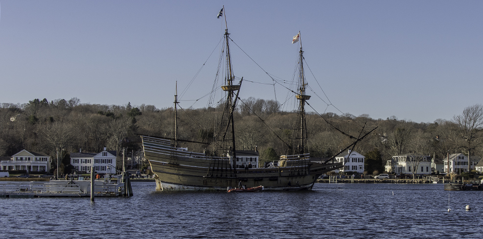 MAYFLOWER II arriving in Mystic_Dec. 14, 2014