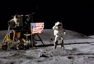 Apollo 11 moon landing (Photo: NASA)